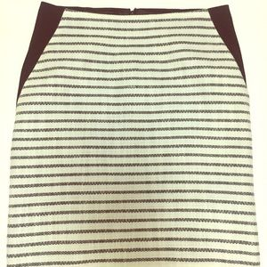 Chic Striped Pencil Skirt